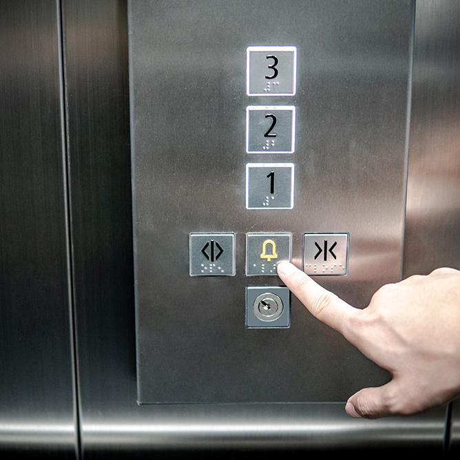 modernisation d'un ascenseur 75