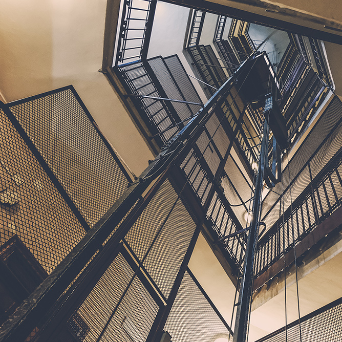 découpe de cage d'escalier 75